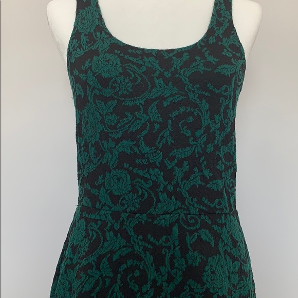 eyelash couture Dresses & Skirts - Winter floral dress from eyelash couture - Size M
